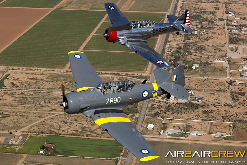 N76BZ-&-N3158G_Wings-of-Flight_T-6_MG_3323.jpg