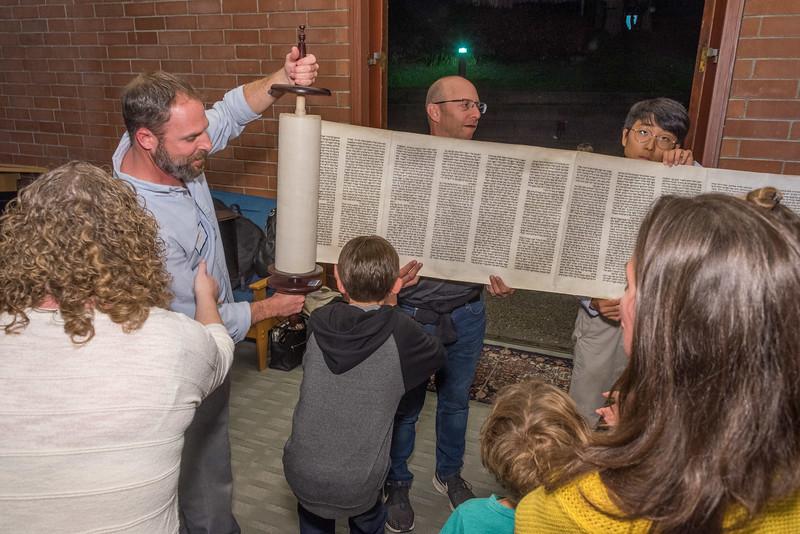Simchat Torah-275.jpg
