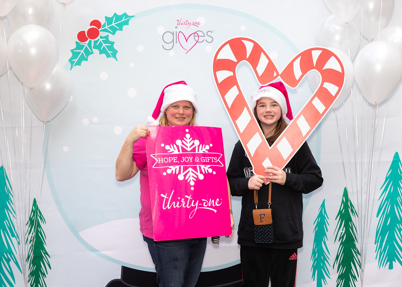 November 2018_Gives_Holiday Open House-5138.jpg