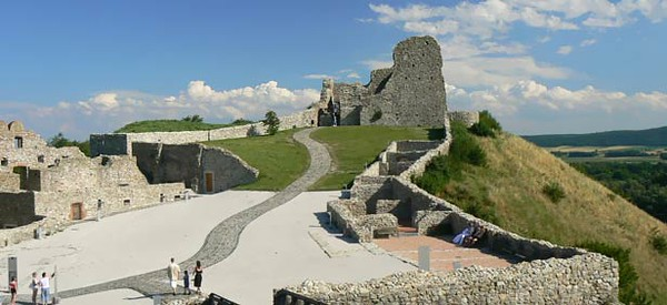 castle-ruinofdevin-bratislava.jpg