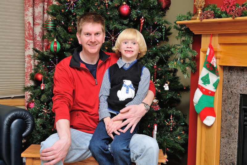 2012-12-26 Christmas Family Photos with Oliver 012.jpg