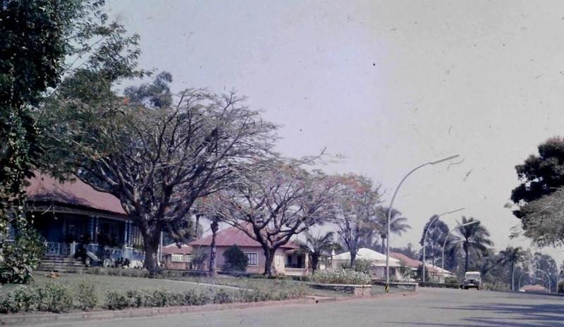 Rua Dundo - em frente a' Biblioteca da CP