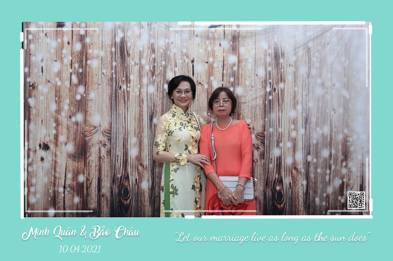 QC-wedding-instant-print-photobooth-Chup-hinh-lay-lien-in-anh-lay-ngay-Tiec-cuoi-WefieBox-Photobooth-Vietnam-cho-thue-photo-booth-076.jpg