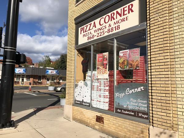 Pizza Corner outside