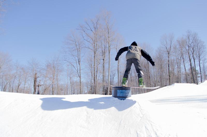 Snow-Trails-Rail-Jam-8090.jpg