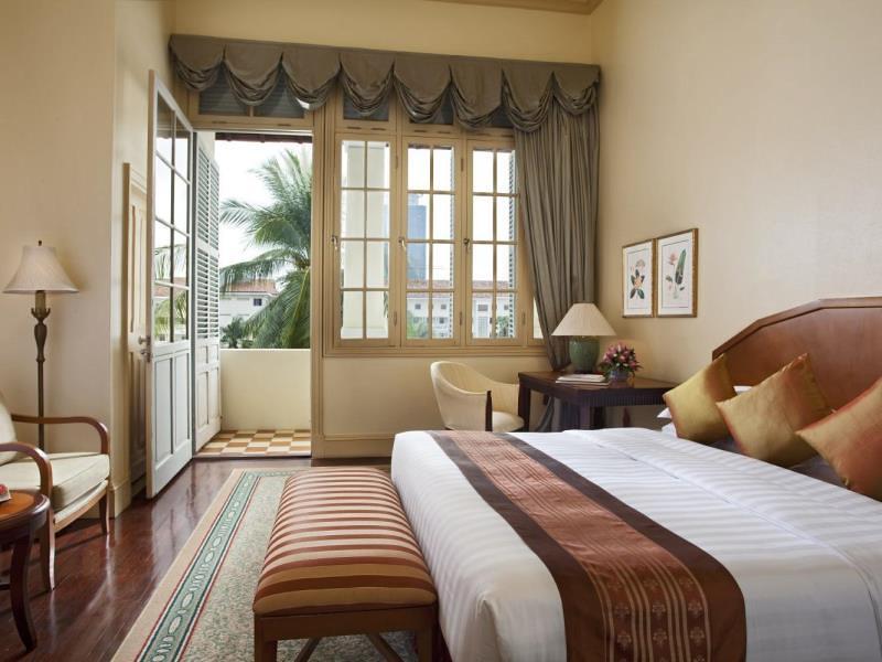 raffles-hotel-le-royal.jpg