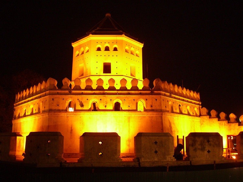 Phra Sumen Fort at Night - Bangkok, Thailand