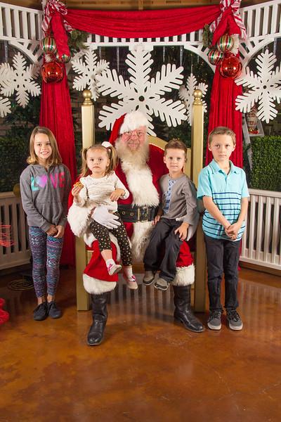 Santa 12-16-17-208.jpg