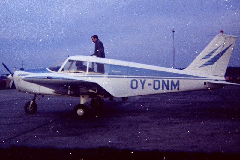 OY-DNM-PiperPA-28-140Cherokee-Private-EKBI-1968-18-N59-03-KBVPCollection.jpg