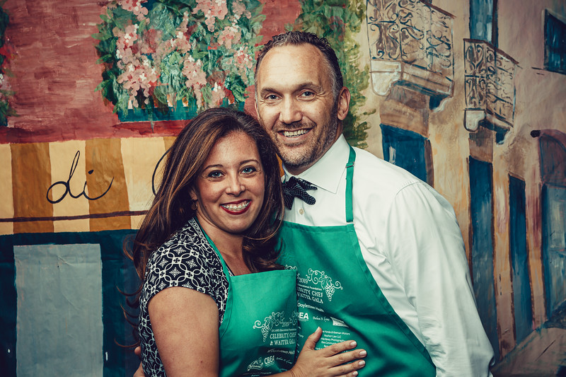 Mike Maney_CB Cares Celebrity Waiters 2019-71.jpg