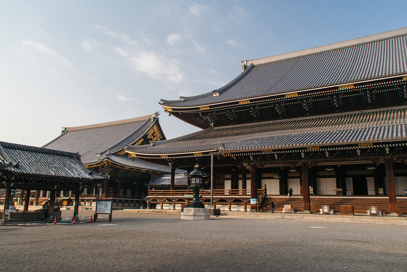 Higashi Hongan-ji. Editorial credit: SandraSWC / Shutterstock.com