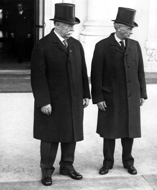 . The justices of the Supreme Court of the United States pay their first offical call on President  Herbert Hoover at the White House.   Left to right: Chief Justice William H. Taft, and Justice Louis Brandeis, as they left the executive mansion  on March 13, 1929 in Washington. (AP Photo)