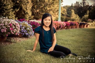 Kaylah Moua Senior Portraits 2021