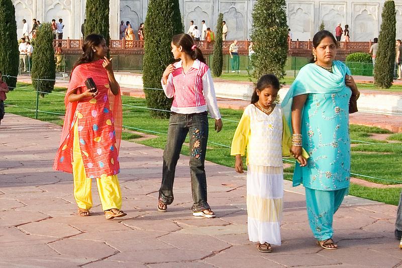 Sari's 3.jpg