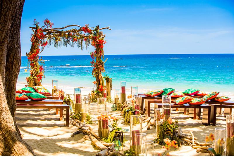 Weddings_costa_rica_colorful_luxury_wedding_four_seasons_styled_beach_tropical_v215_om_3a.jpg