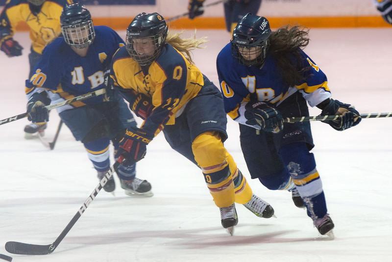 20130310 QWHockeyvsUBC 460.jpg