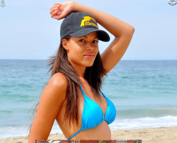 zuma beach matador beach beautiful swimsuit model malibu 45surf 1075.kl,.,..jpg