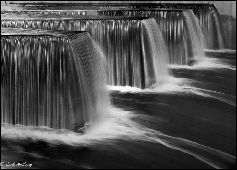 dam overflow_5346.jpg