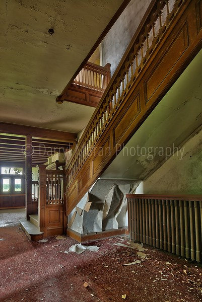 Abandoned Mansion in VA (30).jpg