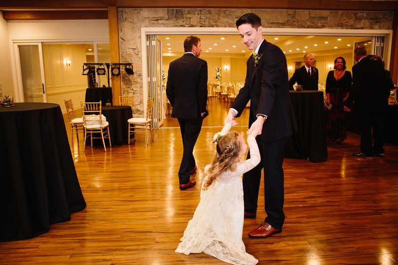 katelyn_and_ethan_peoples_light_wedding_image-145.jpg