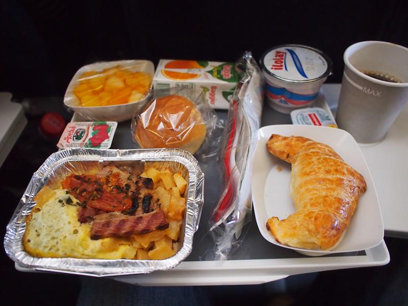 PA305176-breakfast.JPG