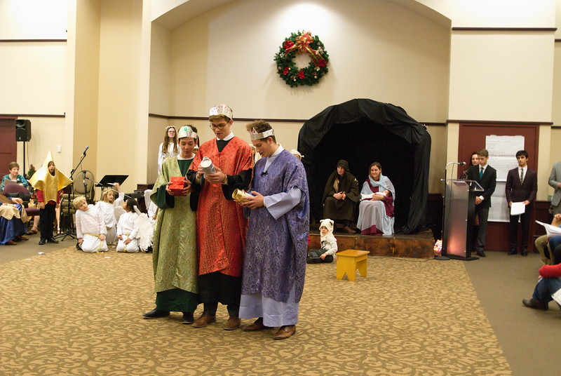 2017-12-17-Christmas-Pageant_230.jpg