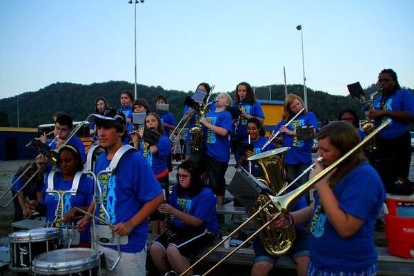 DuPont Middle School Band - Halftime Show