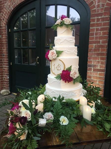Burgundy Cheekwood Wedding