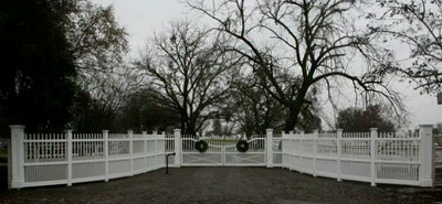 95 - Westchester Steel Framed Gate with Radius Sections