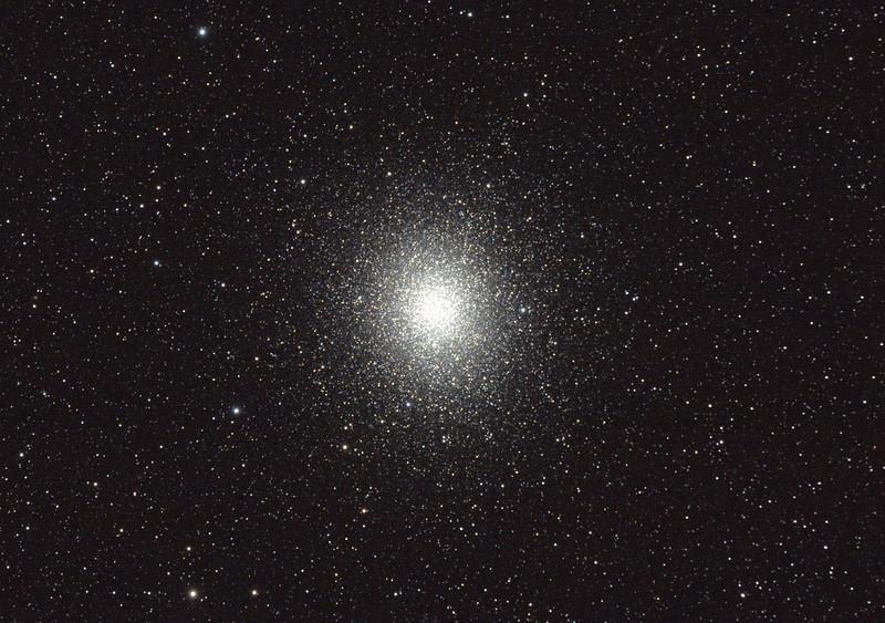 Caldwell 80 - NGC5139 - Omega Centauri Globular Cluster - 26/8/2011 - Dark Sky site near Wagin (Processed cropped stack)
