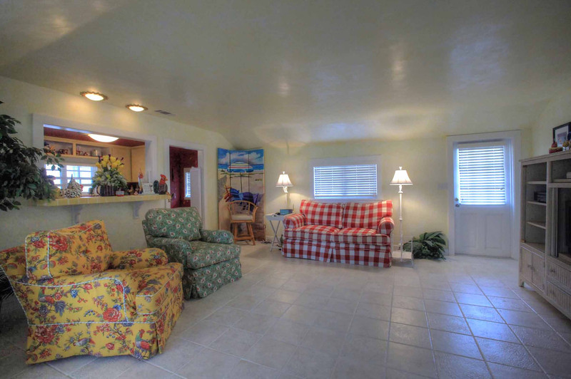 Cottage Living room.jpg