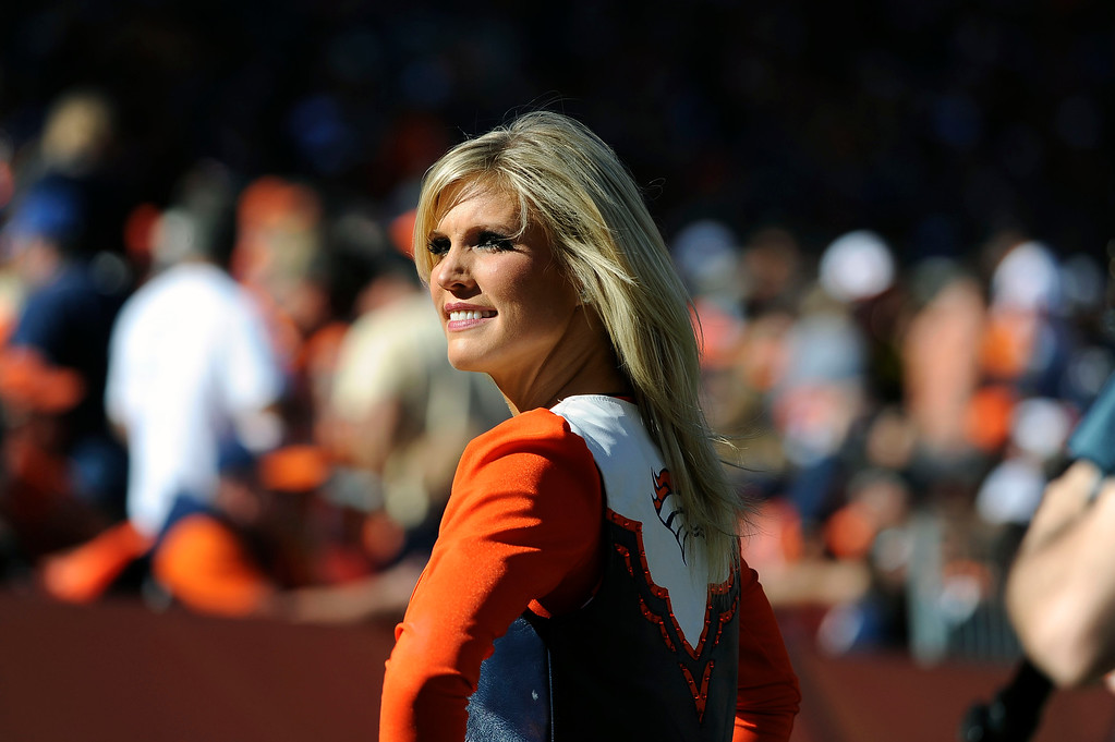 . Denver Broncos  cheerleaders during a break in the action.  (Photo by Steve Nehf/The Denver Post)