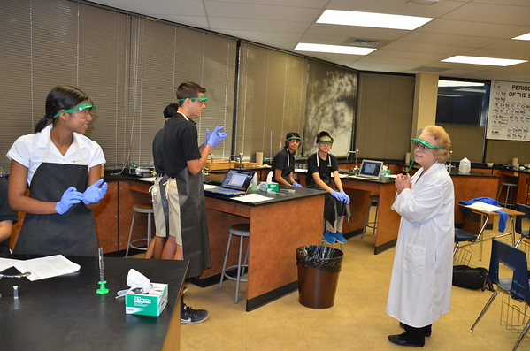 2016 Spectrometer lab with Mrs. Clapper