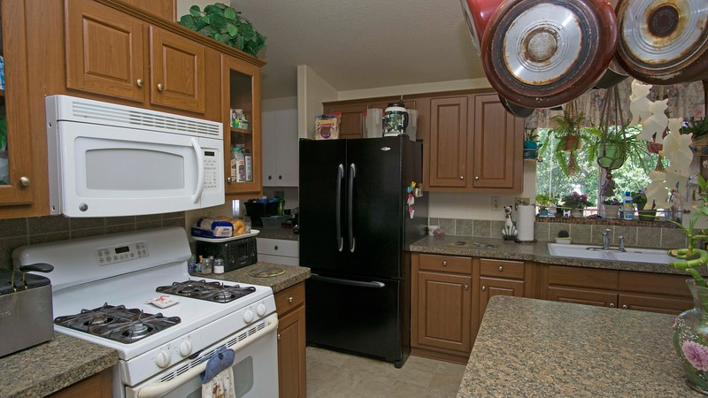 kitchen a.jpg