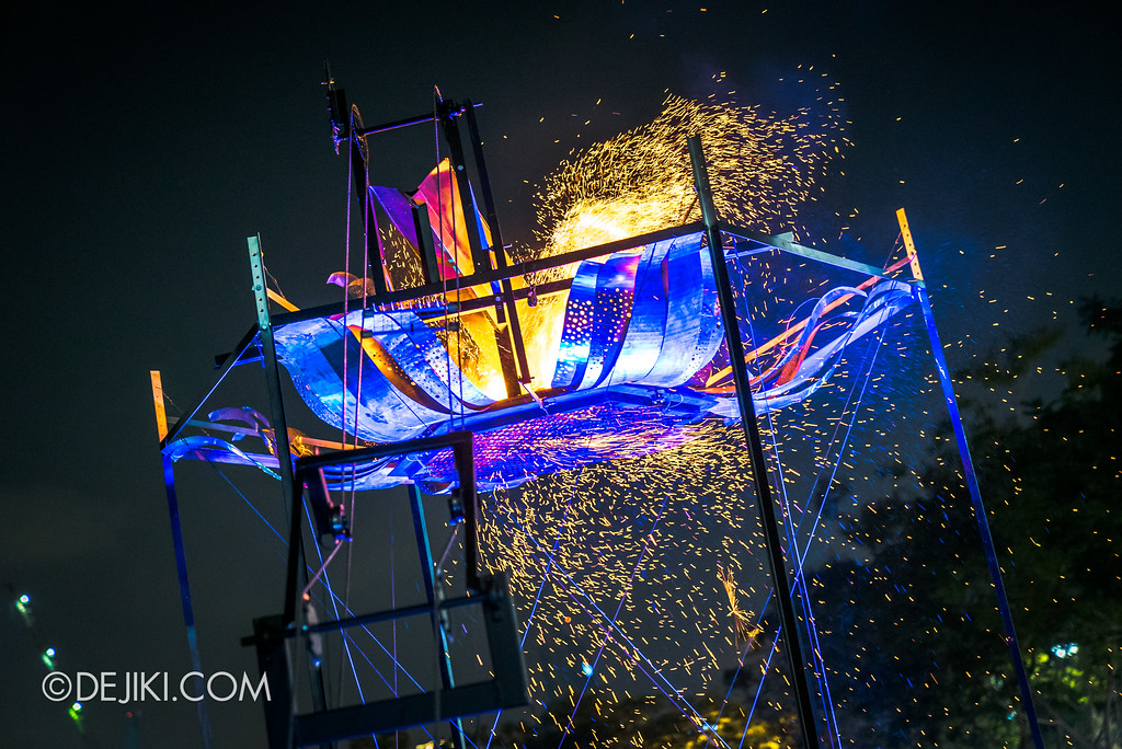 Singapore Night Festival 2018 - Night Lights / Ember Rain by Starlight Alchemy sparks