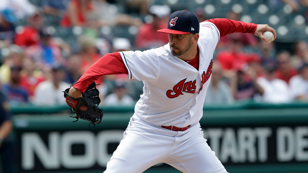. Cleveland Indians relief pitcher Oliver Perez delivers in the seventh inning of a baseball game against the Kansas City Royals, Wednesday, Sept. 5, 2018, in Cleveland. (AP Photo/Tony Dejak)