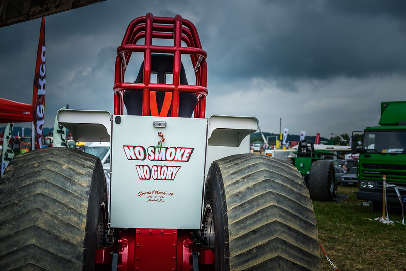 Tractor Pulling 2015 XE2-2463.jpg