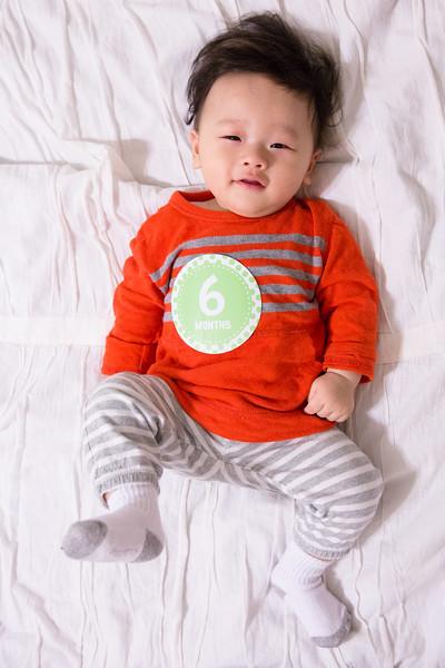Seth 6 month-2252.jpg