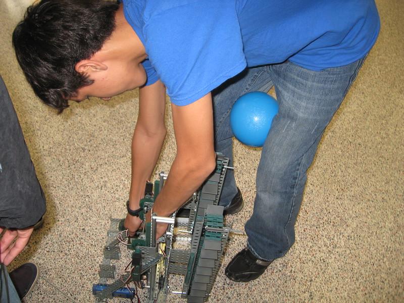 Robo Comp and vid game night 162.JPG