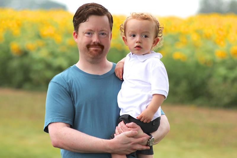 FamilySunflowers_ 203.jpg