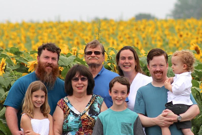FamilySunflowers_ 145.jpg