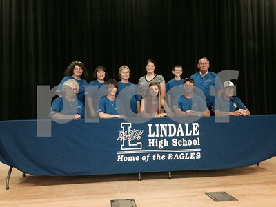 lindales-bateman-signs-with-sam-houston-state