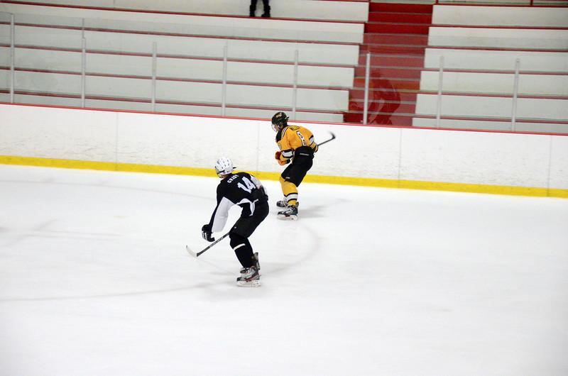 140913 Jr. Bruins vs. 495 Stars-091.JPG