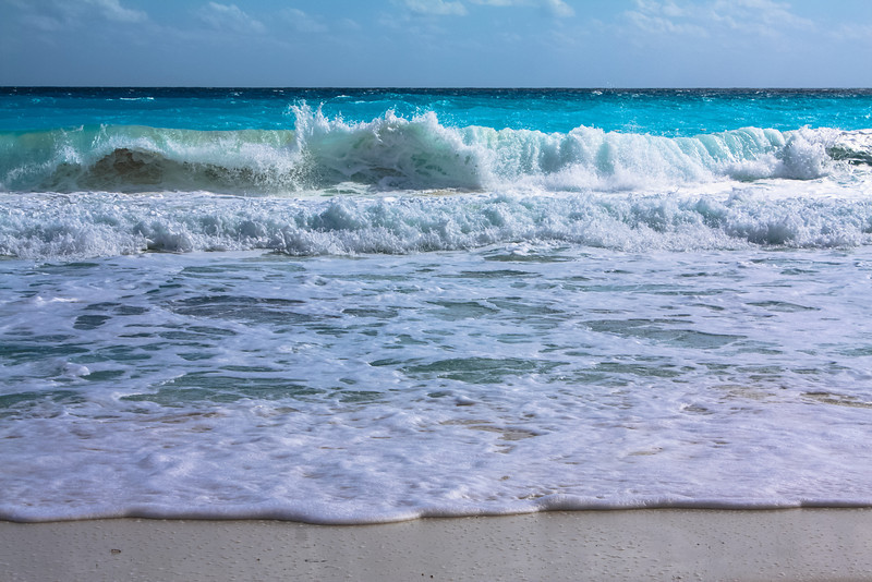 Waves in Cancun