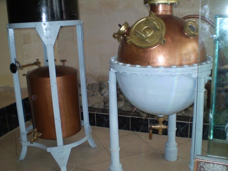 Perfumerie, v. Habana - Elizabeth Yerkes