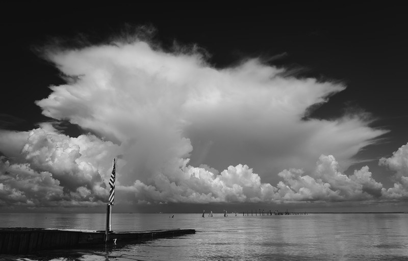 Storm Cloud & flag BW 061619 (1 of 1).jpg