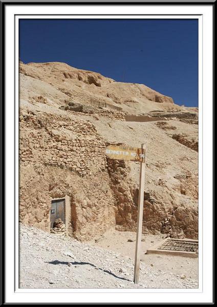 tomb-entrance (55687661).jpg