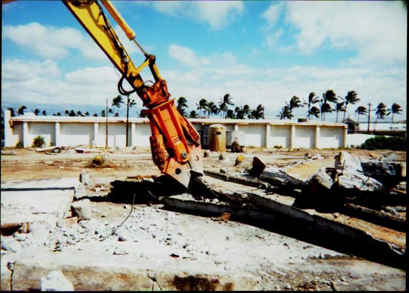 NPK M38G concrete pulverizer on Komatsu excavator in Hawaii-concrete recycling  (2).JPG