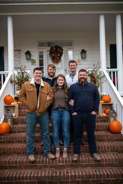 2019 November Ellis Family-181-175.jpg