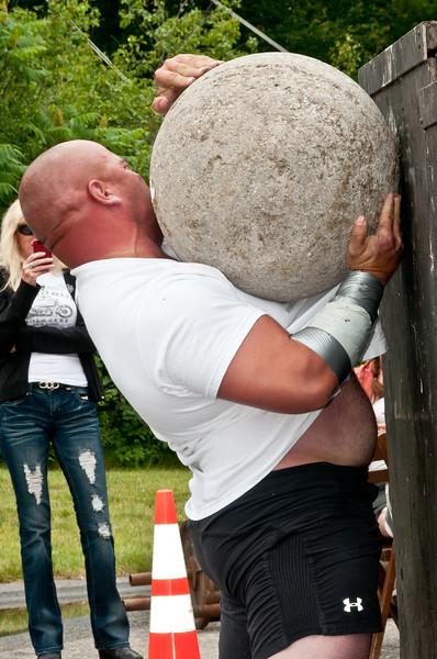 Fitness Revolution Strongman Challenge 2011_ERF4427.jpg